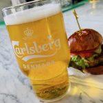 Se presenta la cerveza icónica Carlsberg y el nuevo sistema DraughtMaster