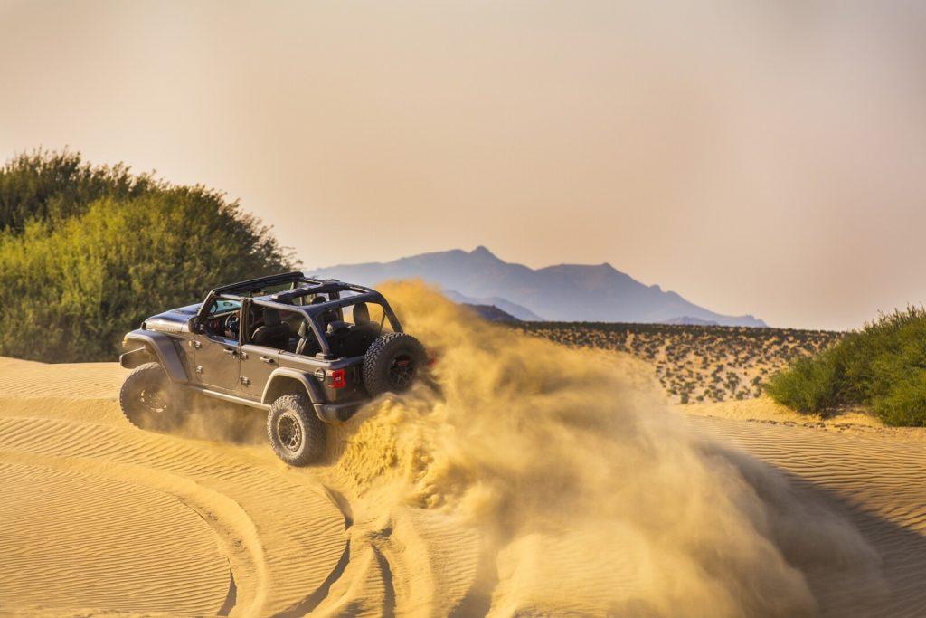 Jeep en las dunas